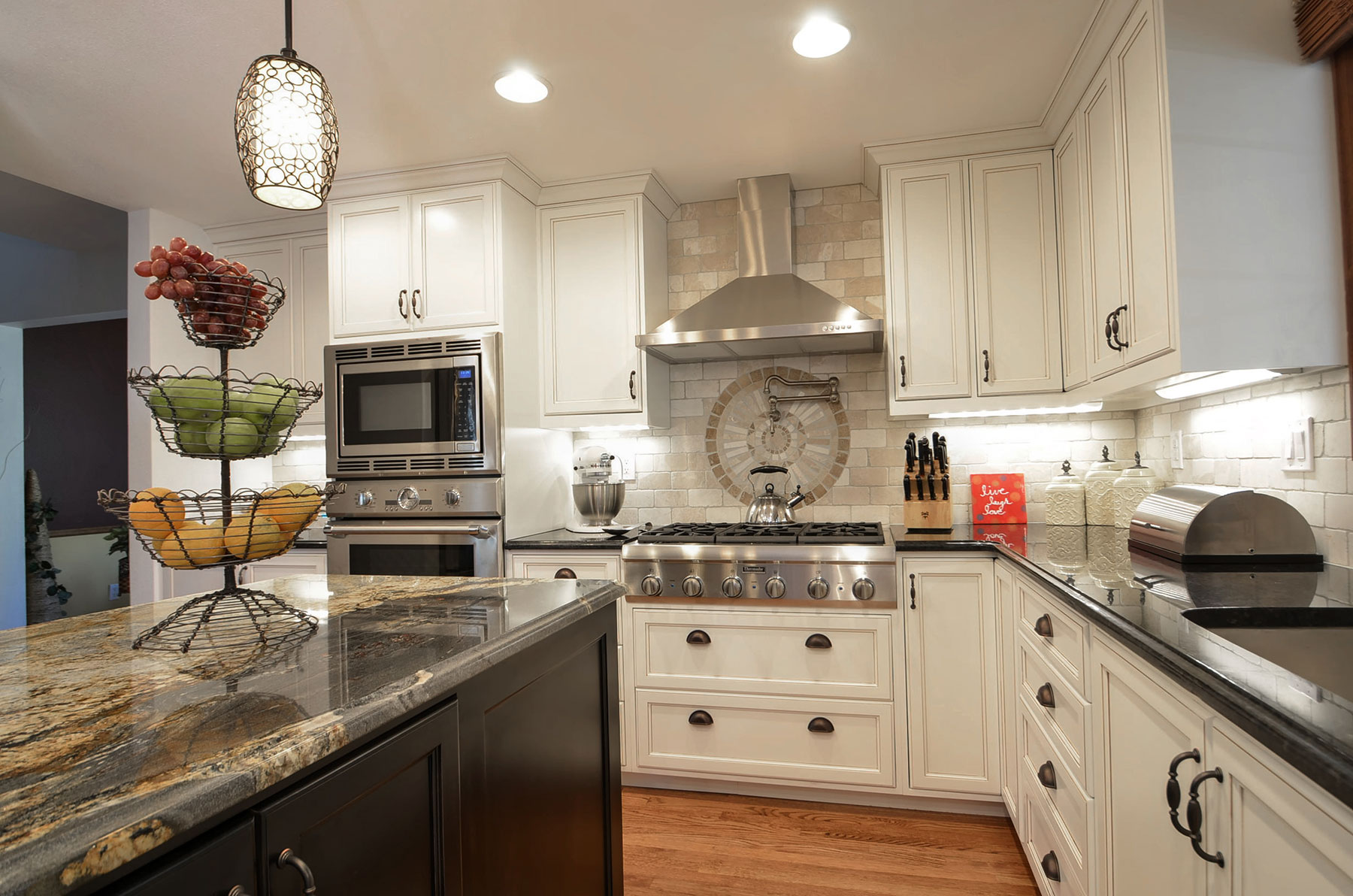 Custom Kitchen Design and Cabinets